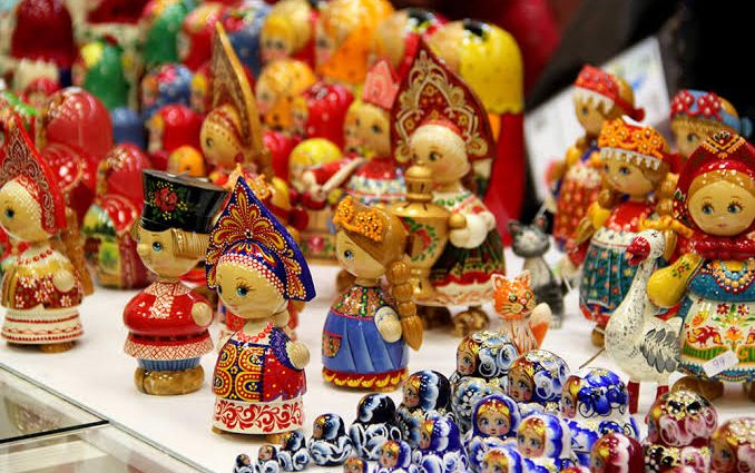 Best Russian Things to Buy as Souvenirs in Moscow